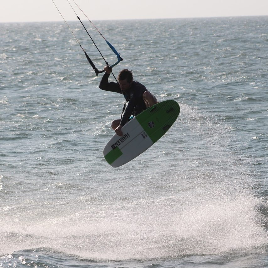 directional kiteboard charge
