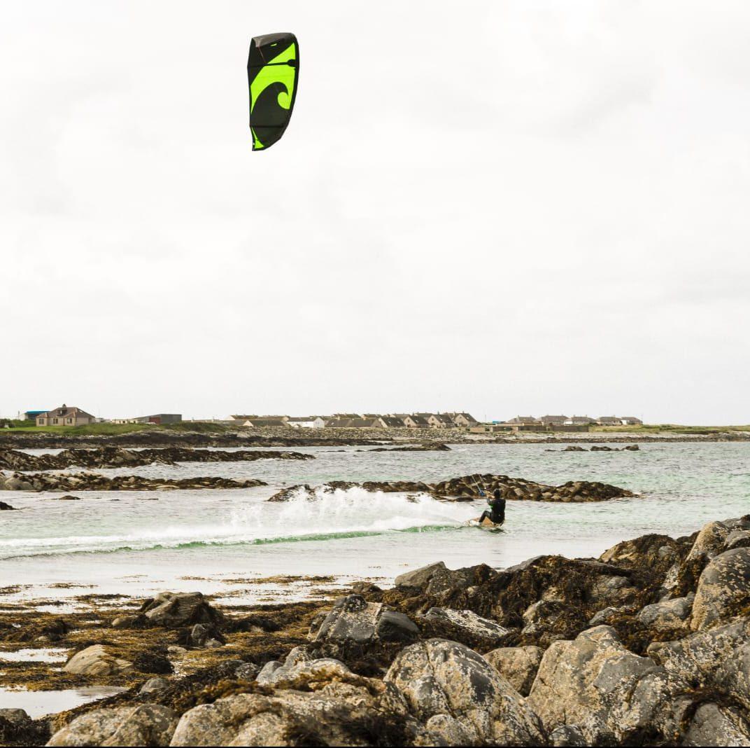 wave kite kitesurfing y